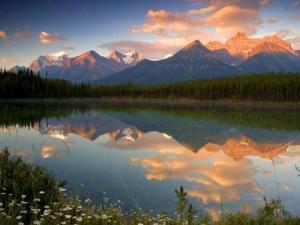 Mountain reflect
